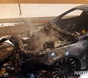 순천 터널서 주행 중 불 난 차량