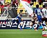 '안델손 역전골' 서울 라이벌 수원에 2-1 역전승