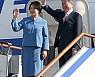 文대통령, 싱가포르 일정 마무리···APEC 열리는 파푸아뉴기니行