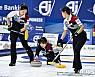 여자컬링, 세계랭킹 1위 스웨덴에 패배…세계선수권 3연승 마감