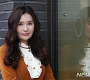 신곡 '헛사랑' 발표한 가수 최사랑