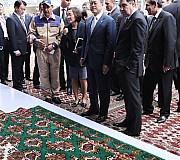 문 대통령, 투르크메니스탄 가스화학플랜트 공장 방문