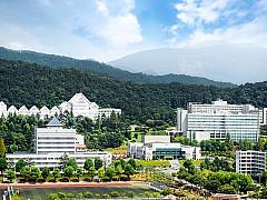 강동완 전 총장 복귀 vs 제17대 총장 선출