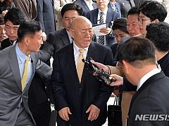전두환 형사재판 속도날까··· 증인신문 '끝'