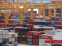 취업자증가폭 30만명 육박···수출부진에 제조업 여전히 '흐림'