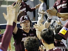 '샌즈 2홈런 6타점' 키움, 2위 복귀···'터너 승리' KIA, 두산 제압