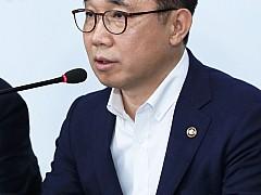 분양가 상한제 적용 '투기과열지구'서 '동'으로 낮춘 정부···왜?