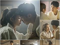 '배가본드' 이승기X배수지, 핑크빛 무드…'유도 대련' 투샷 공개