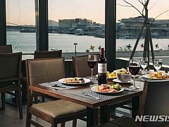 [김정환의 맛볼까]와인이 'With 人'임을 일깨우는 가을···②호텔 마리나베이서울
