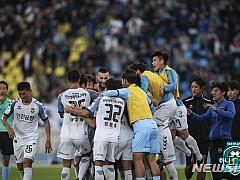 프로축구 인천, 성남에 1:0 승리···무고사 천금결승골