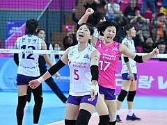 흥국생명, V-리그 개막전에서 한국도로공사 제압