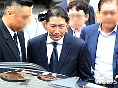 '회삿돈 횡령 혐의' 효성 조석래 부자, 기소의견 송치