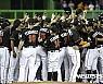 [MLB]마이애미, 페르난데스 등번호 '16번' 영구결번