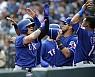 [MLB]'스리런포 쾅' 추신수, 시즌 첫 홈런 포함 5타점 맹활약